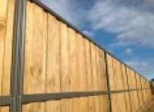 Kwikfynd Lap and Cap Timber Fencing castlehill